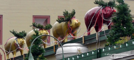pig decorations